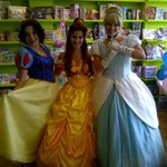 RT @lauraknew: @lakeshorebia @MimicoByTheLake Would not miss #ShorefrontFest Sept 6th! Will beautiful princesses be back this year? http://t.co/AChia5gdBB