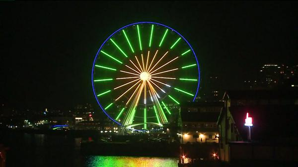 Big Wheel in Seattle celebrates with Seahawks colors as team steamrolls Bears in third preseason game. http://t.co/46VBH9ZPBO