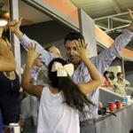 RT @owongphoto: .@luisdovalina festejando el triunfo de @redvaqueros #yoconvaqueros #vamosportodo @yodeportivo http://t.co/ZQVDHC6f3u