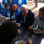RT @klinok: Олег Морозов из Администрации Президента отведал селигерского стола- кажется стол пришелся по вкусу #ПоколениеЗнаний http://t.co/Nc2xg3XbAr