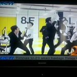 """140823 RCTI news called """"Seputar Indonesia"""" was showed SJM profile,mention Hangeng name&also Swing MV playing on. http://t.co/JcBlVF55Qa"""