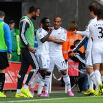PHOTO: The #Swans celebrate after Nathan Dyer's 23rd minute opener. 1-0. http://t.co/PT60LGsIrk