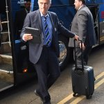 RT @chelseafc: Jose Mourinho arriving at Stamford Bridge. Less than an hour to go now... #CFC http://t.co/jiNOKzbQB1