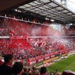 RT @Podolski10: Auf gehts #effzeh !! Come on FC !! #effzeh #Bundesliga #cologne #köln #fans #poldi #aha #wirsindwiederda #südkurve http://t.co/Z6mF6v1hZn