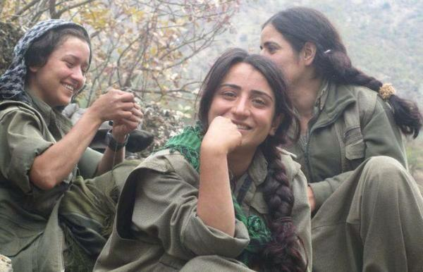 The fact that Kurds go out of their way to project their gender equality & non-hijabi women is promising 4 the #ME http://t.co/UVRcYQd4O9