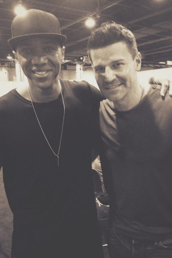 """We help the helpless..."" (With @David_Boreanaz at #WizardWorldChicago) http://t.co/XKBO3ZQPMf"