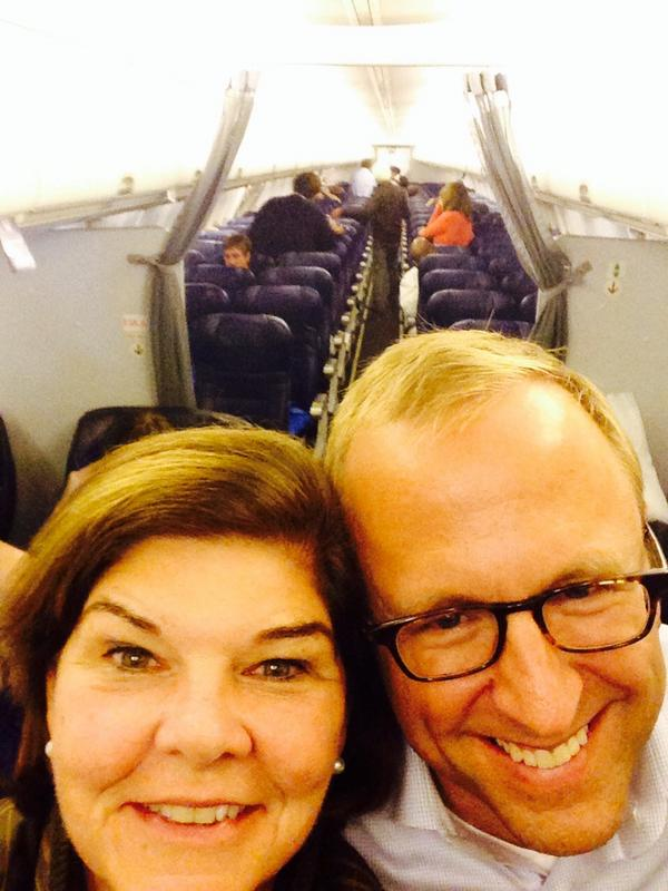 Last WH flight. Leaving the beat in strong capable hands of @ABC @jonkarl Thanks to press charter friends. http://t.co/aAN4aYZMEu