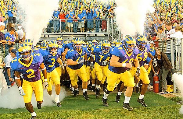 IT'S GAME DAY #bluehens!!!!! First home game of the season! #BHStateOfMind #GoHens http://t.co/D1NwVcpg6n
