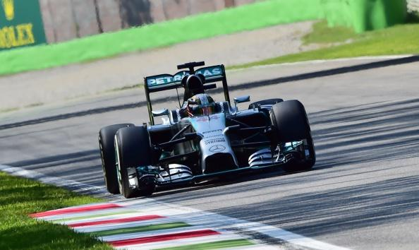 Lewis Hamilton wins the #ItalianGP with Mercedes team-mate Nico Rosberg second http://t.co/7SQbPKqzDr #bbcf1 http://t.co/LybuE9u3Sb