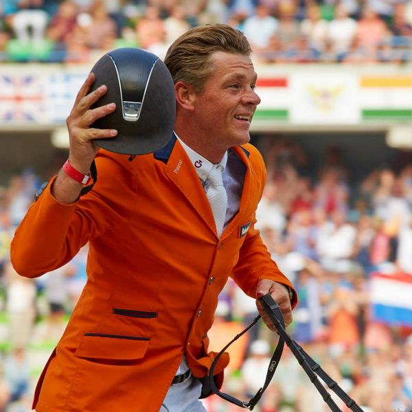 Orange is the new gold! Congratulations to @KNHSNederland who finish #WEG2014 with the highest number of medals (18)! http://t.co/cypM2Ynkyl