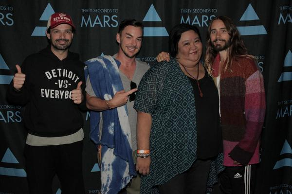THANKS SO MUCH @adventure @30SECONDSTOMARS @JaredLeto @ShannonLeto @tomofromearth I literally cried when I saw this http://t.co/vYTkFXDsEv