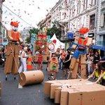RT @iaMeventz: Wil je mee lopen in de #Cardboardiaparade, verzamelen Smallepad 3 #033. Vrij-zat-zondag om 16.30 uur. @Spoffin http://t.co/a8DNxuwZNA