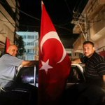 لم تخل إحتفالات #غزة من الأعلام التركية كيف لا وهي من وقفت إلى جانبنا في الوقت الذي خذلنا فيه الجميع شكرا تركيا #غزة http://t.co/lpobKhX2Qn