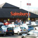 Thieves pinch womans shopping and £300 from her trolley http://t.co/yP3uMyR7VN http://t.co/4ptSZpyBtl