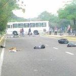 SE ENCIENDE MARACAIBO: Maracuchos reinician jornada de protestas -► https://t.co/r3mymvI04G http://t.co/yF8xKPolf7