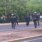 #27a Esbirros estan por atacar a los manifestantes #Maracaibo. ALERTA! / #NarcotráficoFinanciaAlPSUV @miguelhotero http://t.co/jazgnlaZdP