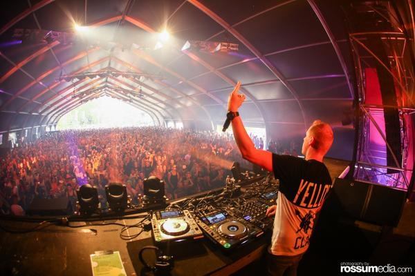 Like a boss @djcoone http://t.co/gkvDZzZLEd