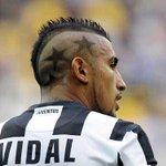 "RT @latercera: Manchester United no se rinde por Vidal: Ofrece US$53 millones y a ""Chicharito"" o Kagawa http://t.co/16SY8XAtMr http://t.co/39eJtvDukw"