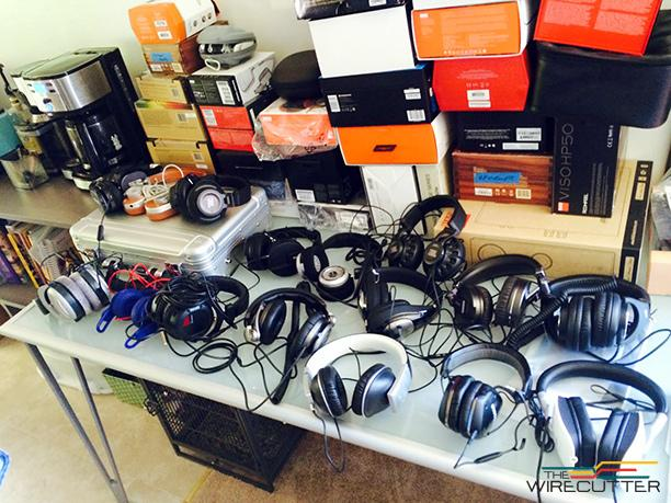 We tested 17 pairs of $300 headphones with a panel of audio pros to find the best: http://t.co/y7mu50BWTu http://t.co/HFYoGsXxXl