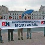 Marcha de peruanos (100) en Tacna convoca a +personas q marcha d derechista @pablomatamoros contra Cuba y Vzla jajaja http://t.co/CCpSlNrvOf
