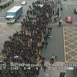 RT @24HorasTVN: AHORA: Alumnos del #InstitutoNacional marchan por bandejón central de la Alameda #ENVIVO http://t.co/N9vXpqHFOx http://t.co/mN6RmUElMl