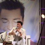 """@LIVE_magazinepr: Conferencia de Prensa #Chayanne @chayannemusic @rosysanjurjo http://t.co/Ac2oFDCsRF"""