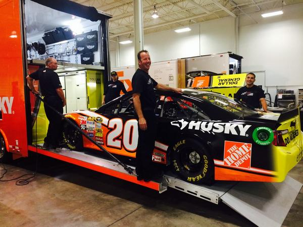 We're baaaaack!! All smiles as the guys get our No.20 @HomeDepot #Husky Toyota loaded up for @amsupdates! #LetsDoThis http://t.co/ypzFregKa9