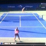 ¡Viene @MonicaAce93! 6-6 en el 3ero ante Petkovic. #PicaPower http://t.co/PDOvUfoEJK