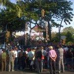 RT @eluniversocom: Ciudadanos se congregan cerca del monumento a León Febres Cordero, durante su inauguración http://t.co/ocOYgzge2p vía @SGomezEcu13