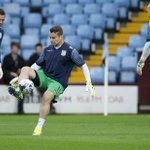 #AVFC v #LOFC warm-up pictures: @No1ShayGiven getting set for kick-off. #AVFCLIVE http://t.co/QBFhpDe1hx