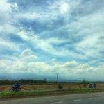 RT @elpaiscali: Cielo parcialmente nublado en el sur de #CaliCo. #LaTemperatura: 27°C: http://t.co/xW4eDi7QFu Vía @jackelineest ¡Feliz tarde!