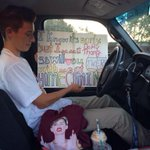 """""""@hcproposals: Miley proposal ???????????? credits go to; @abbeyyykicks - have fun at homecoming! #homecomingproposal http://t.co/pDEeYXRDUL"""" omg ????????"""