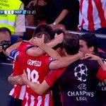 RT @casadelfutbol: Nunca te fíes de un equipo que tiene coraje... y a Aduriz. Empata el @AthleticClub, ruge San Mamés. #SoñadoresLeones http://t.co/Pv5R10VhTH