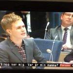 RT @NgtInomBjorn: En favorit från förr. #trasigtv http://t.co/pLv0e1f9Qd