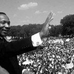 """28 agosto 63, il giorno di Martin Luther King e del suo """"I have a dream"""". Il testo integrale: http://t.co/PVoAR4SCdP http://t.co/NP5StJwwQQ"""
