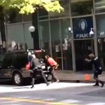 Video of man with knife shot by police officer at Woodruff Park in Atlanta. http://t.co/edtnqYCdvS http://t.co/qyv0aOpv5P