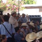 Las dudas de los pobladores del #RioSonora fueron precisamente respondidas por el Gobernador @guillermopadres #066 http://t.co/l7fgjSLGe2