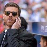 RT @blancoamorir: -Hola, ¿Xabi Alonso? -Sí, con él... -Gracias por todo lo que hiciste por este escudo. Hasta siempre, profesor. http://t.co/9IR88pMjv8