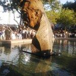 del monumento en honor al Ing. León Febres Cordero, ubicado en Malecón y Sucre. 2/2 http://t.co/f4CFuy8Tok
