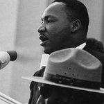 RT @itele: #IHaveADream > Le 28 août 1963, Martin Luther King prononçait ce discours devant le Lincoln Memorial, à #Washington http://t.co/ebFFEZ5trM