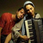 الموسيقى ليست ك داعش فهي لم تقتل احداً فلنعتنقها #الموسيقى_باقية ✌ http://t.co/adcIDndbDt