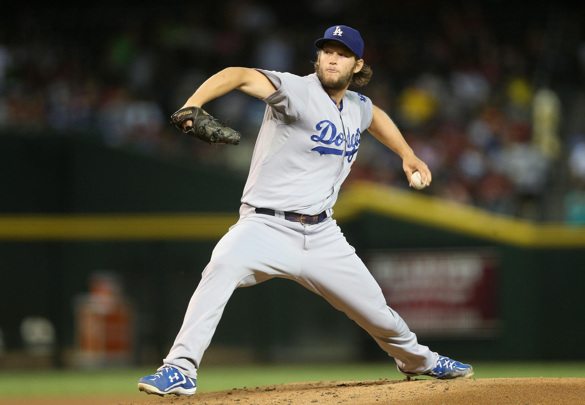 Clayton Kershaw makes dominating look routine. Dodgers beat Dbacks, 3-1, as Kershaw allows 1 unearned run over 8 IP. http://t.co/Bp13m6KVtb