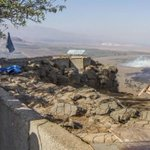 RT @AdamMilstein: #ISIS rebels hold Golan crossing amid heavy Syrian Attacks. #Israel is now Confronting ISIS http://t.co/aeO4jsn1Hw http://t.co/swfNPxj30H