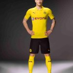 Marco #Reus con la nuova divisa per la Champions League. http://t.co/jpVnw5j8KF