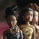 RT @g1: Nigeriano cria bonecas negras contra preconceito e supera venda de Barbie http://t.co/sKBBLUvzQi #G1 http://t.co/HmZDZVOI0V