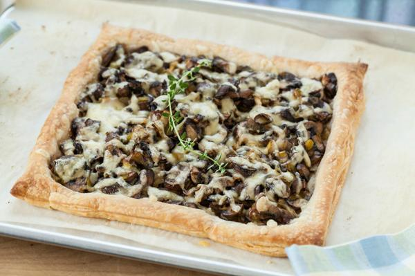 Oh.. one more from The Messy Baker - Mushroom, Leek and gruyere tart.. Mmmmm @charmian_c  http://t.co/Cp2NaicgCy http://t.co/cNDu4KINGj