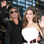 Brad Pitt and Angelina Jolie are MARRIED!! http://t.co/5pU7nIvsaL http://t.co/02AV5IPcJa