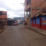 #28A Reportan paro en El Callao..Hasta Mercal cerrado. http://t.co/wVbq7z3zWV
