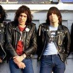 Martin Scorsese pode dirigir novo documentário sobre os Ramones http://t.co/NFos3AYp2Z http://t.co/7DZCYZfMXt
