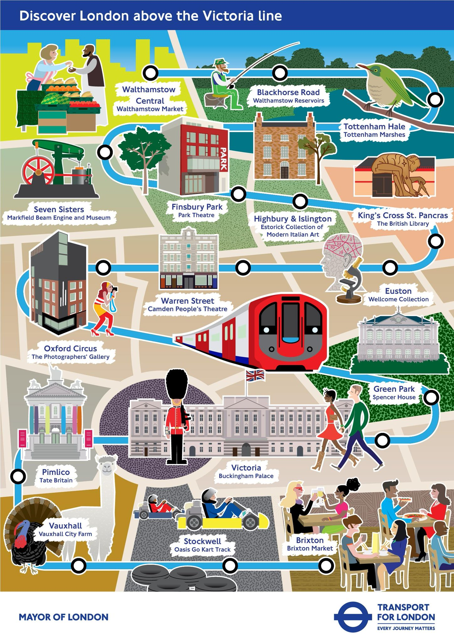 #exploreLondon. Use this new @TfLOfficial infograph to discover lots of interesting stuff along the #VictoriaLine http://t.co/Br4Y3Gg8Et